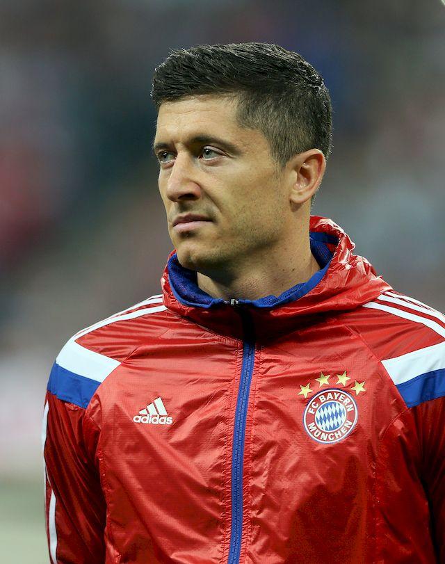 Poród Anny Lewandowskiej już na dniach. Z tego powodu Robert Lewandowski coraz częściej jest pytany o sprawy rodzicielskie. Podczas ostatniego wywiadu stracił cierpliwość, ponieważ na konferencji prasowej po meczu Bayernu Monachium z Borussią Dortmund jeden z dziennikarzy przekroczył pewną granicę.