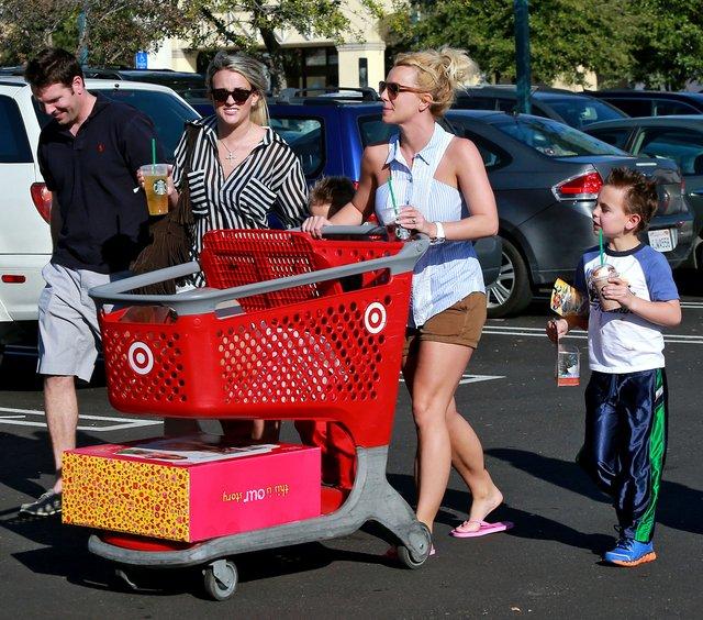 Britney Spears z siostrą na zakupach
