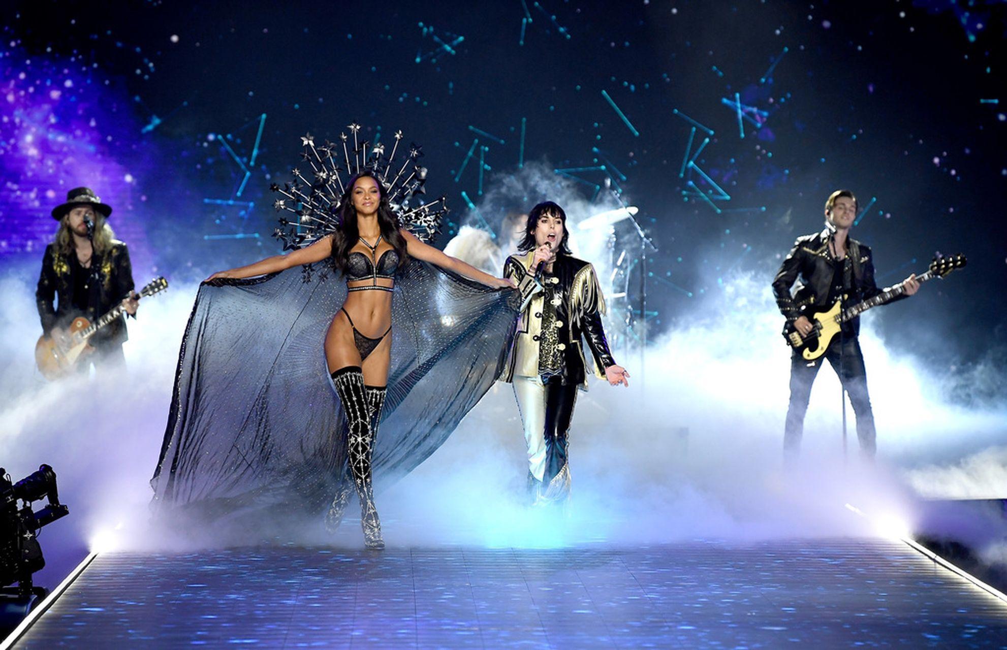 Jeszcze WIĘCEJ zdjęć z Victoria's Secret Fashion Show 2018