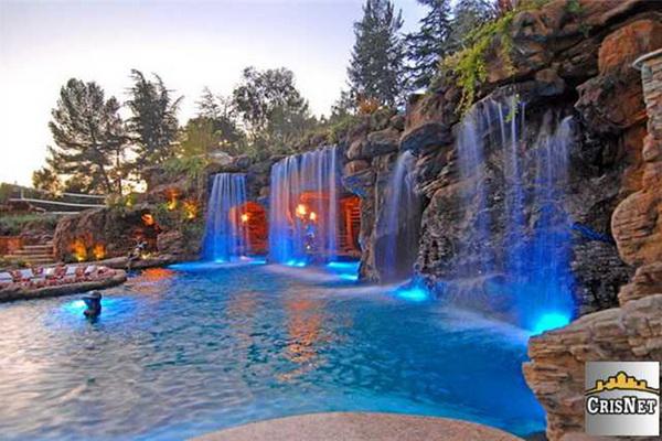 Coś na ochłodę: W takich basenach pluszczą się gwiazdy