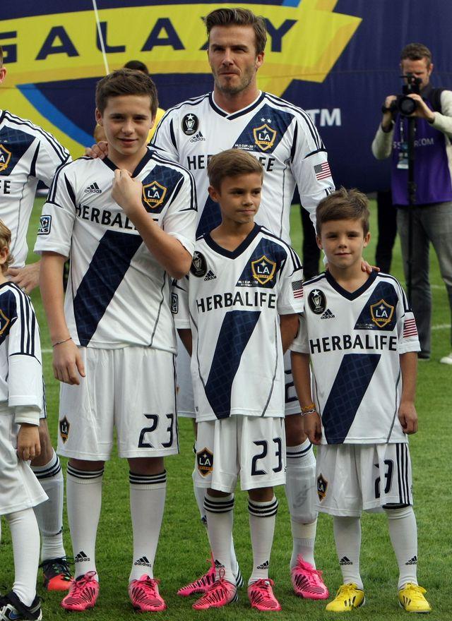 Romeo Beckham został nową twarzą Burberry! (FOTO)