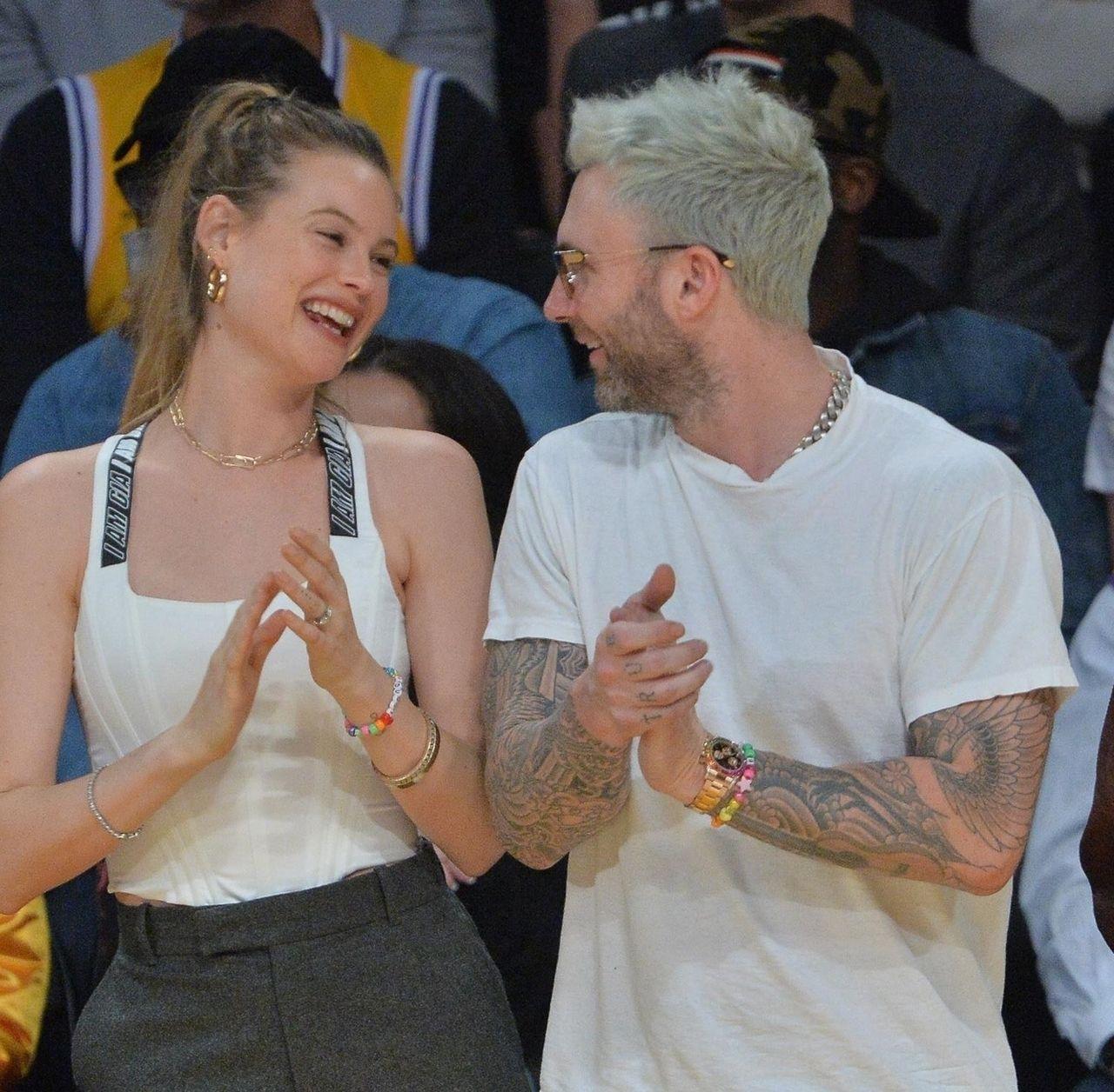 Słodziaki! Behati Prinsloo i Adam Levine wciąż zakochani (ZDJĘCIA)