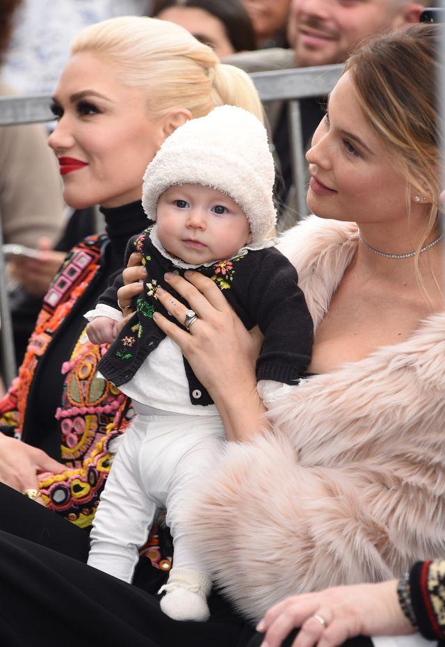 Behati Prinsloo z córeczką Dusty w pasującej do siebie biżuterii