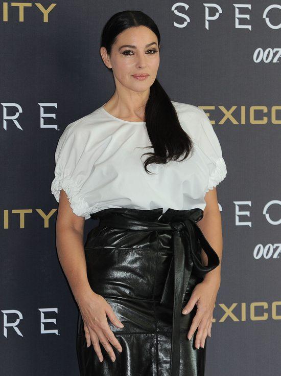 Monica Bellucci poza czerwonym dywanem - równie piękna? (FOT