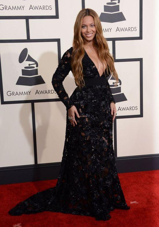 Beyone w k��tni z Jayem Z: Rihanna jest DZ*WK�!