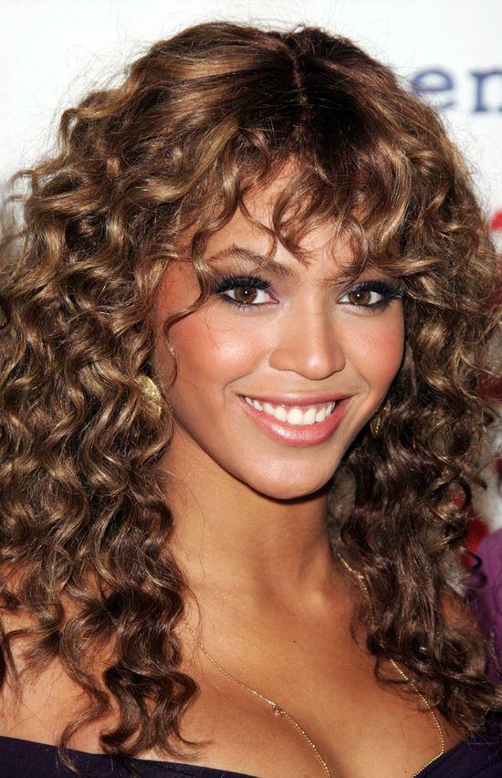 Rihannie i Beyonce zarzucono, że wybieliły skórę!