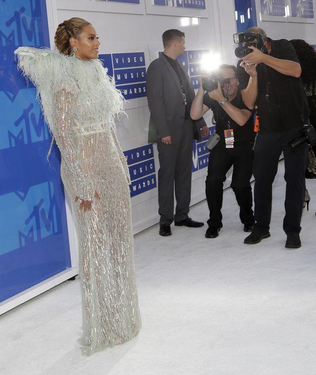 Wszyscy mówią, że występ Beyonce na MTV VMA MIAŻDŻY!