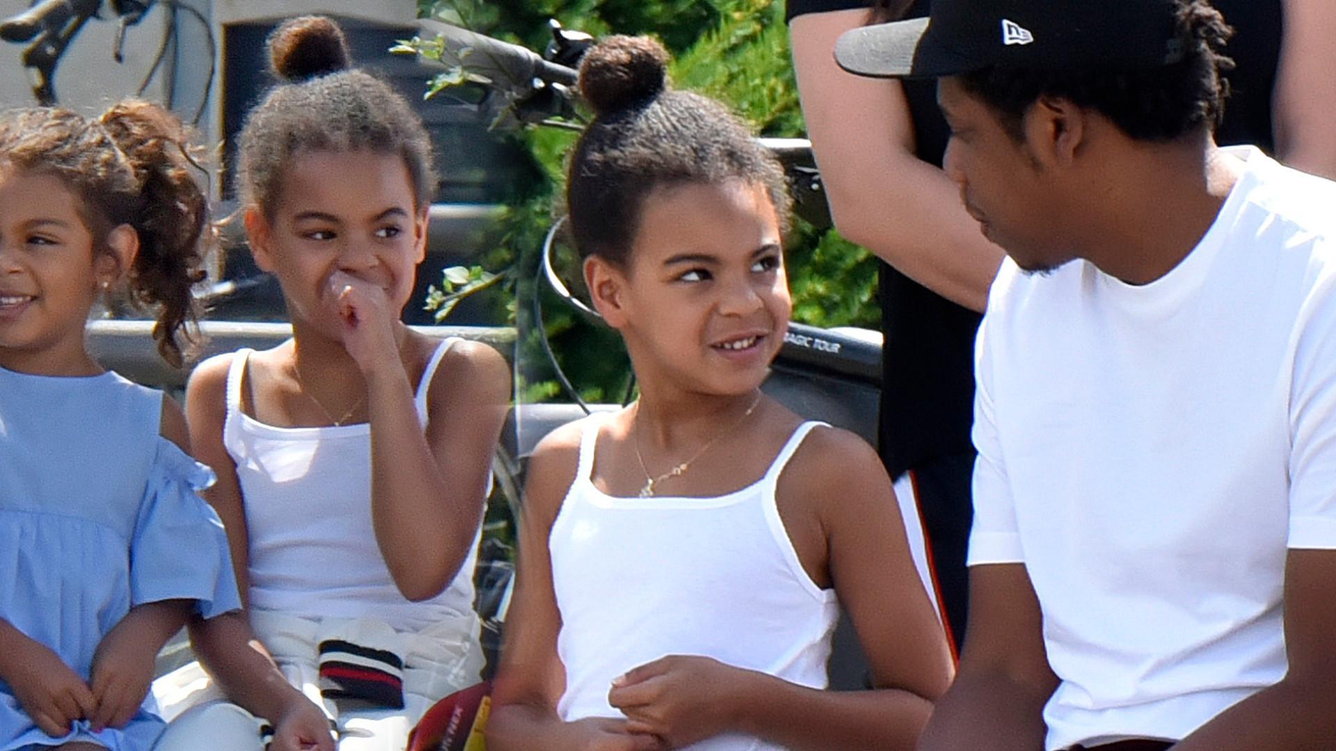 HIT! 6-letnia Blue Ivy pije drinka w basenie – internauci komentują
