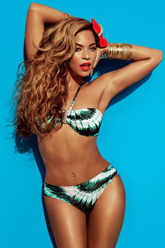 Odchudzona Beyonce pozuje w kostiumach kąpielowych