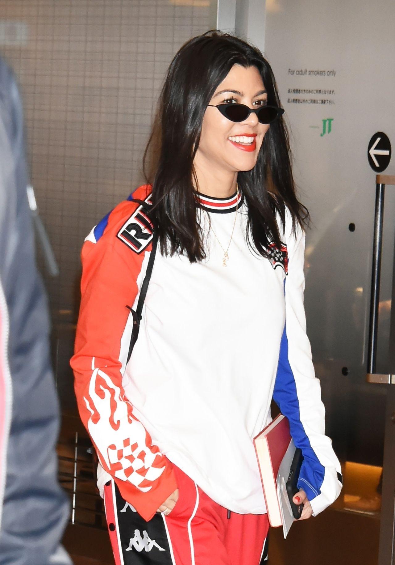 Kourtney Kardashian pokazała siniaki na podbrzuszu - zamroziła jajeczka