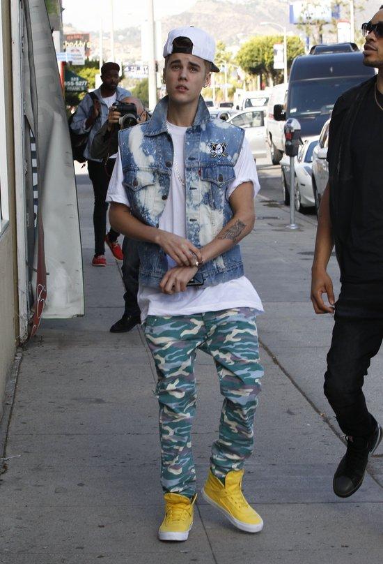 Bieber stał przed domem Seleny, a ta go nie wpuściła