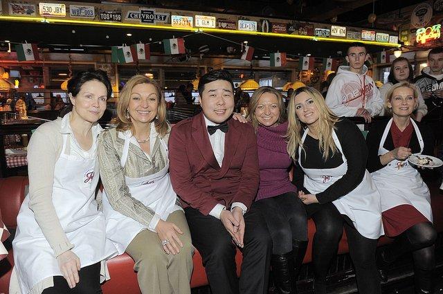 Celebryci na �wi�tecznym obiedzie z gwiazdami (FOTO)