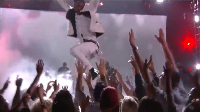 Groźny wypadek na Billboard Music Awards (WIDEO)