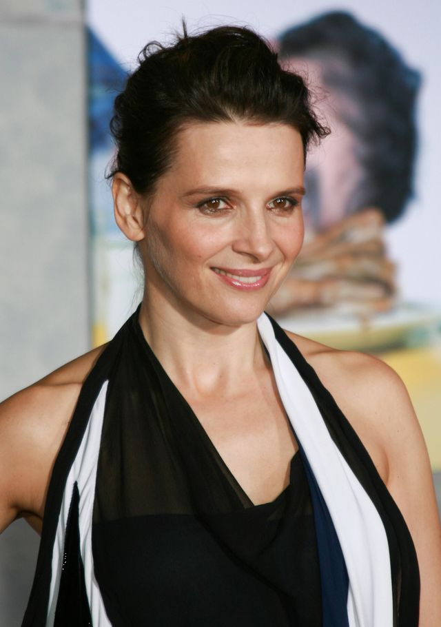 Ta peruka doda�a aktorce dziesi�� lat! (FOTO)
