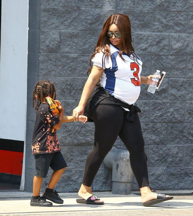 Blac Chyna z synek Cairo na zakupach (FOTO)