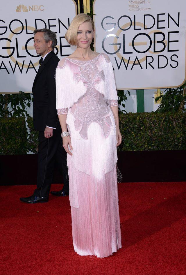 Na galę Złotych Globów wybrała suknię w stylu lat 20. (FOTO)