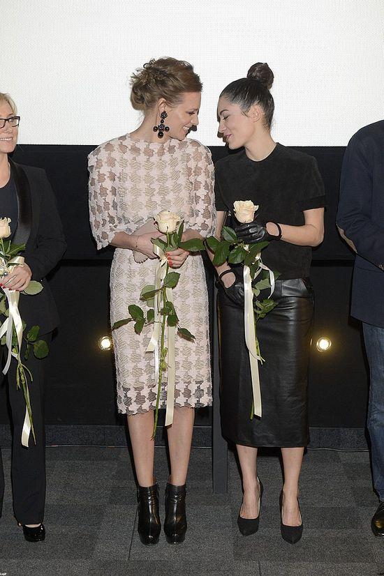 Boczarska i Pogrebińska pocałowały się na premierze (FOTO)