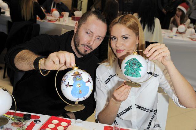 Gwiazdy i celebrytki malują bombki (FOTO)