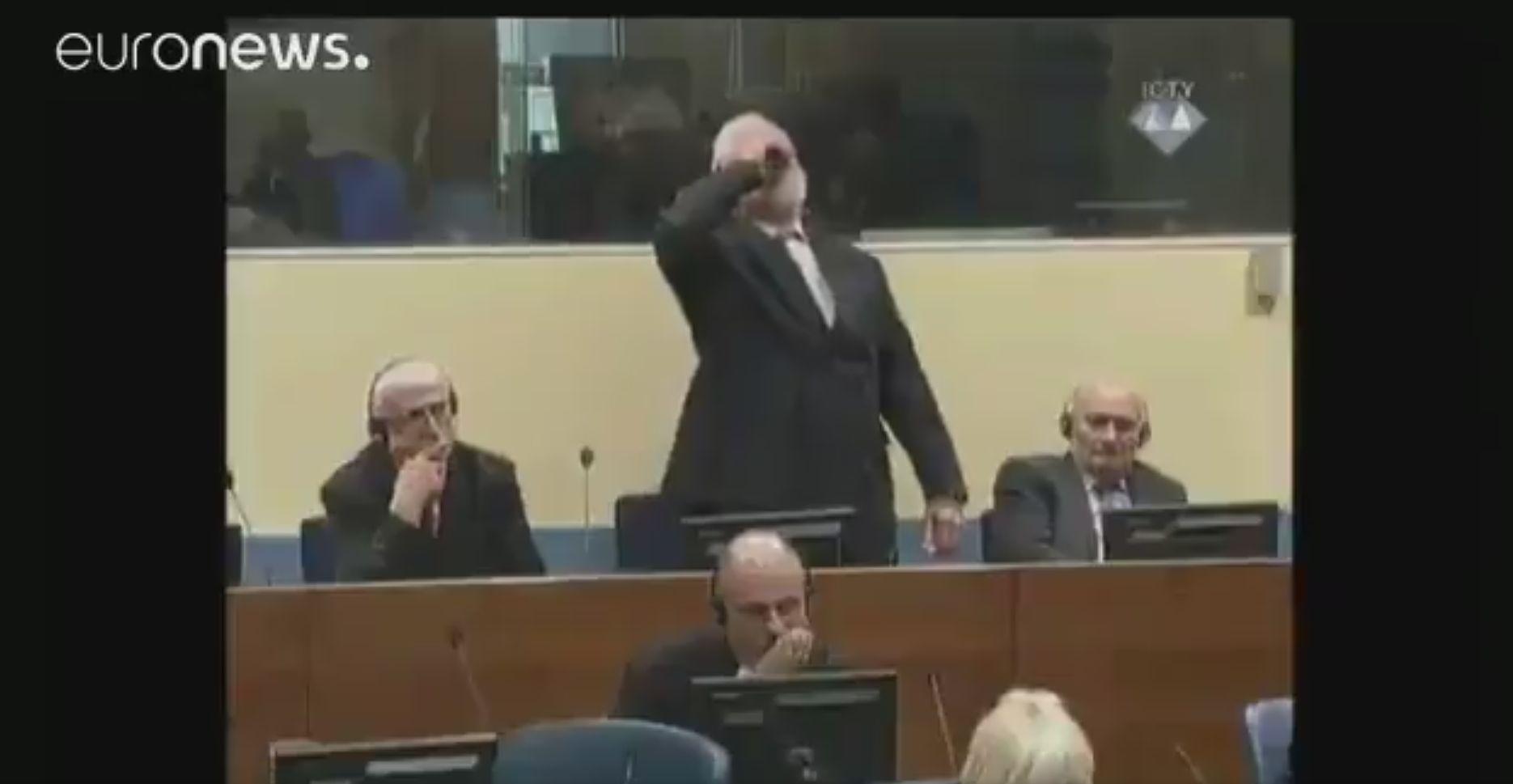 Nie żyje mężczyzna, który wypił truciznę na sali sądowej ONZ-owskiego trybunału