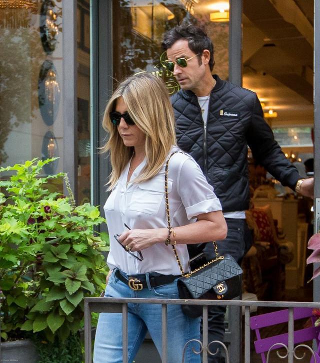 Brad Pitt chce TO powiedzieć Jennifer Aniston