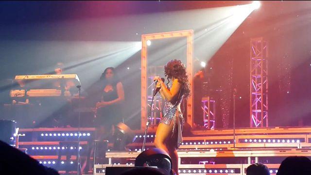 Toni Braxton też wystąpiła bez bielizny (FOTO)