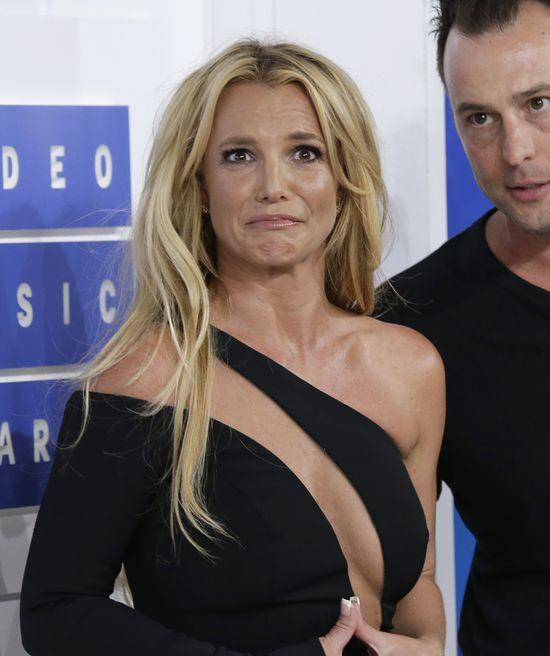 Britney Spears dała CZADU! Dawno nie całowała się na ściance!