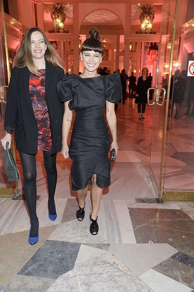 Monika Brodka w koczku i ma�ej czarnej na gali Elle (FOTO)