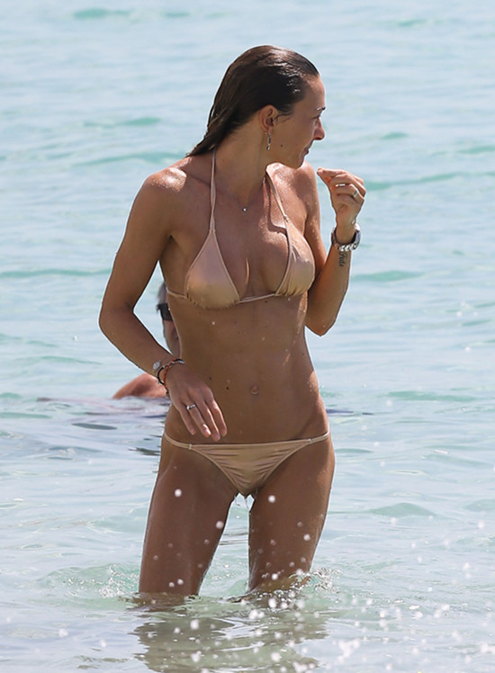 Wysyp latynoskich modelek na amerykańskich plażach (FOTO)