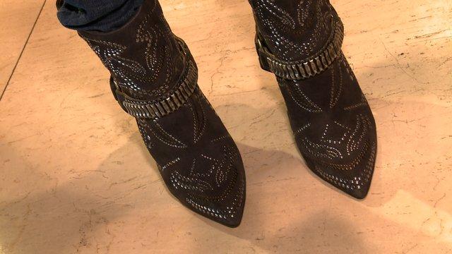 Ta gwiazda ma w domu 200 par butów (FOTO)