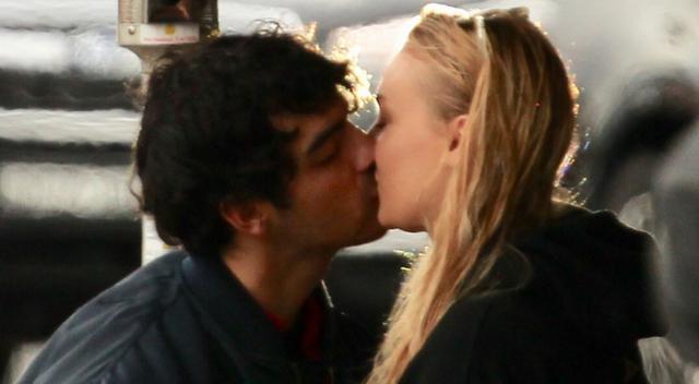 Gorące pocałunki Joe Jonasa i Sophie Turner!