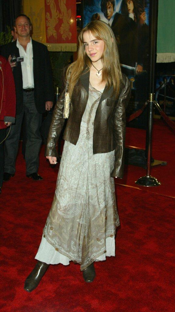 Emma Watson w d�ugich w�osach, 2002 rok
