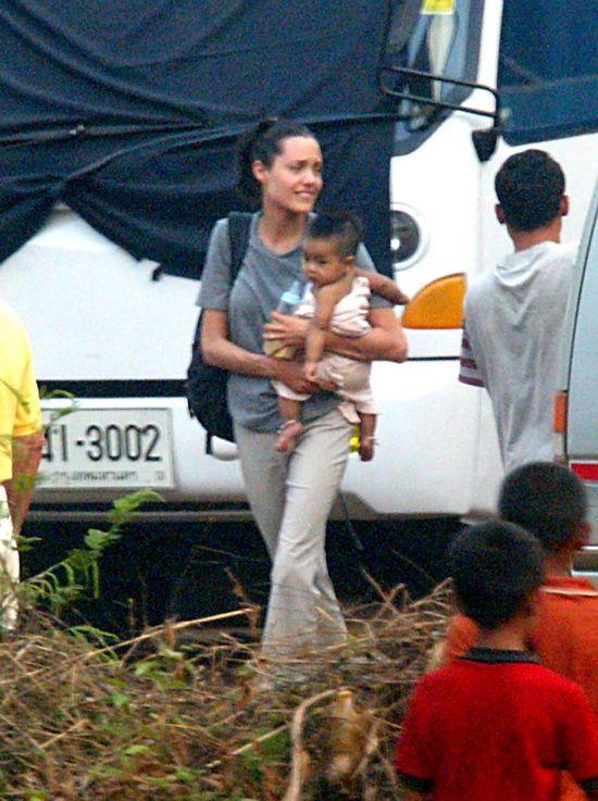 Angelina Jolie, 2002 rok
