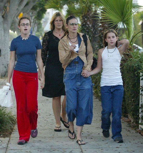 Demi Moore z córkami, 2002 rok