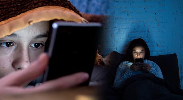Przyzwyczailiśmy się do obecności smartfonów w naszym życiu praktycznie 24 godziny na dobę 7 dni w tygodniu. Telefon nas budzi, przy telefonie zasypiamy.  Ale uwaga. To, co wydaje się nam dziś normalne i oczywiste, może się okazać opłakane w skutkach. Najgorzej sprawa wygląda w przypadku korzystania ze smartfonów czy tabletów w nocy - szczególnie przy zgaszonym świetle. Robimy to wszyscy. Warto wiedzieć, jakie ryzyko niesie takie używanie komórek i innych gadżetów. Na pewno wszyscy słyszeliście o fatalnym wpływie niebieskiego światła emitowanego przez komórki, gdy korzystamy z nich w nocy. W ciągu dnia jesteśmy wystawieni na jego działanie, ponieważ jest ono częścią światła słonecznego. Jednak w nocy to niebieskie światło ma negatywny wpływ na wzrok i wpływa na produkcję melatoniny, która w naturalny sposób usypia nasz organizm w nocnych godzinach. Zbyt częste korzystanie z telefonów, tabletów i podobnych urządzeń w nocy może prowadzić do różnych chorób.