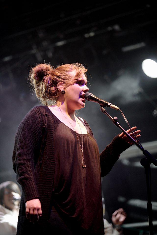 Adele urodziła się 5 maja 1988 roku w Londynie.