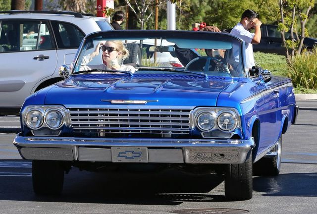 Iggy Azalea kupiła chłopakowi 1962 Chevy Impala