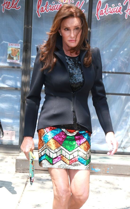 65-letnia Caitlyn Jenner w cekinowej mini (FOTO)