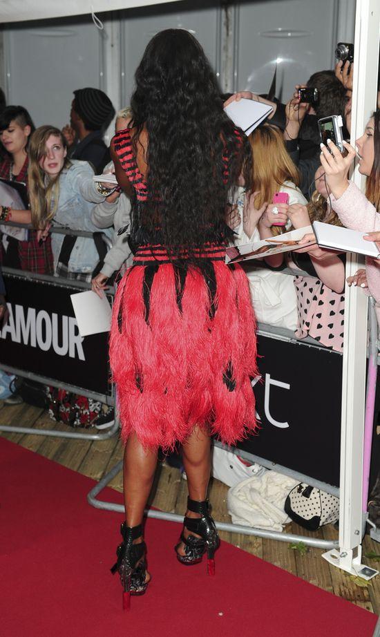 Naomi Campbell otar�a si� o kicz (FOTO)