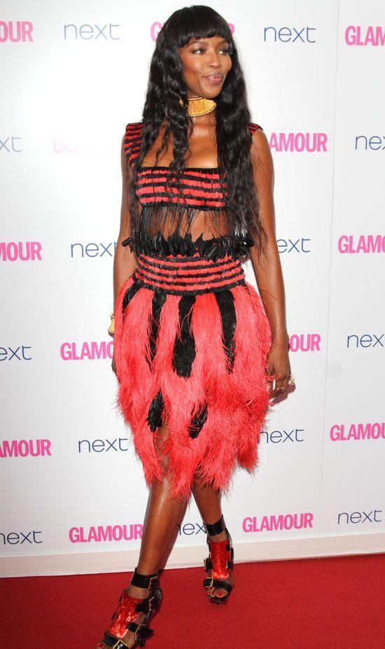 Naomi Campbell otarła się o kicz (FOTO)