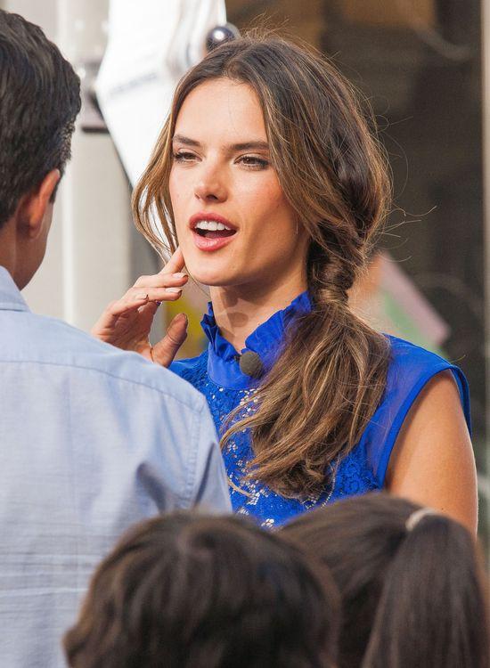 Aniołki VS podczas wywiadu w publicznym miejscu (FOTO)