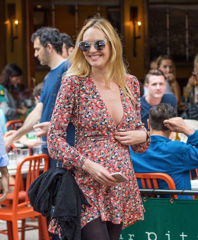 Candice Swanepoel pokazała, jak karmi syna piersią (Instagram)