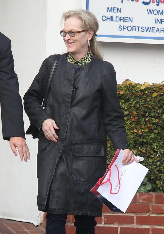 Jej pupa tuż obok twarzy Meryl Streep