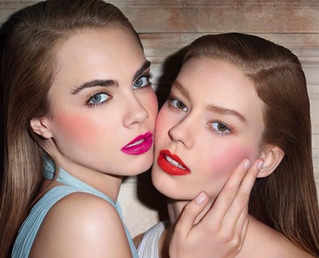 Cara Delevingne znów chce się całować z dziewczyną? (FOTO)