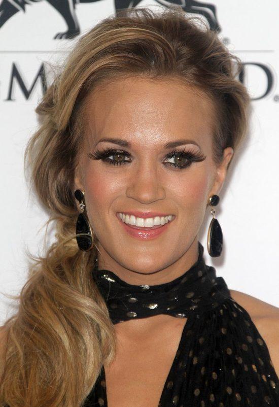 Syn Carrie Underwood przejmie... kij po ojcu? (FOTO)