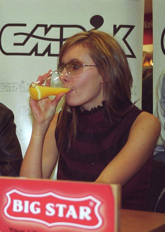 Monika Kuszyńska, Varius Manx, 2002 rok