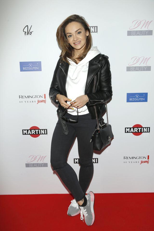 Tłum celebrytów: aktorka i modelka założyła swojego bloga (ZDJĘCIA)