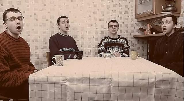 CeZik nabija się z tekstów zagranicznych piosenek (VIDEO)