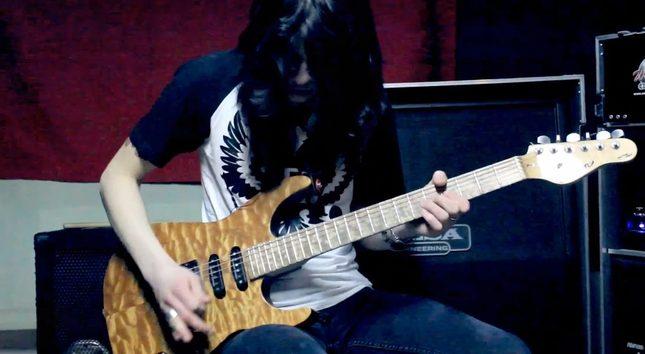 To jest niezłe – Chandelier Sii w rockowym wydaniu [VIDEO]