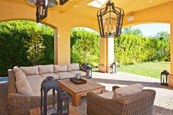 Charlie Sheen ma problem ze sprzedażą mieszkania (FOTO)