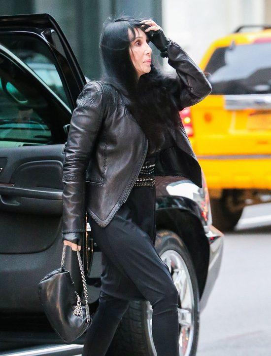 Czy Cher wygląda na śmiertelnie chorą? (FOTO)
